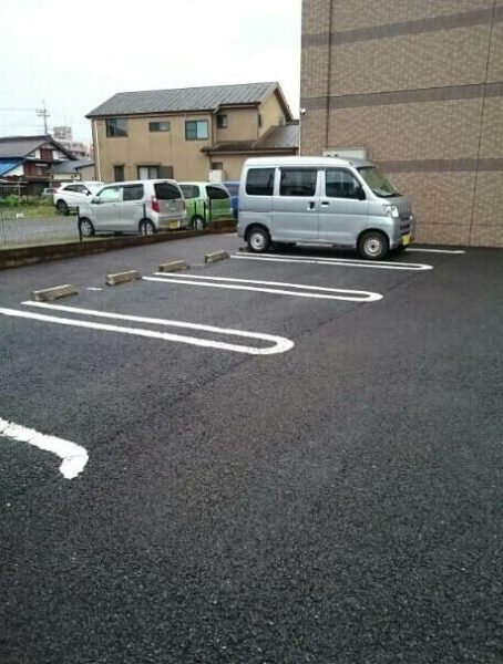 (駐車場)